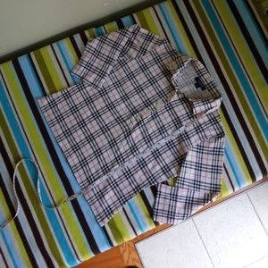 AUTHENTIC Burberry top